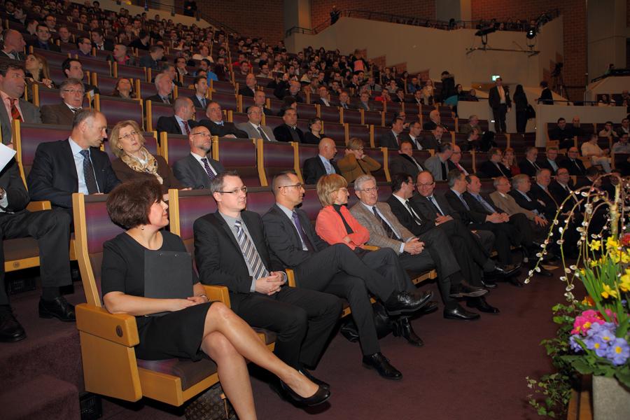 Remise des diplômes et certificats de fin d'apprentissage du secteur de l'Artisanat, session 2013