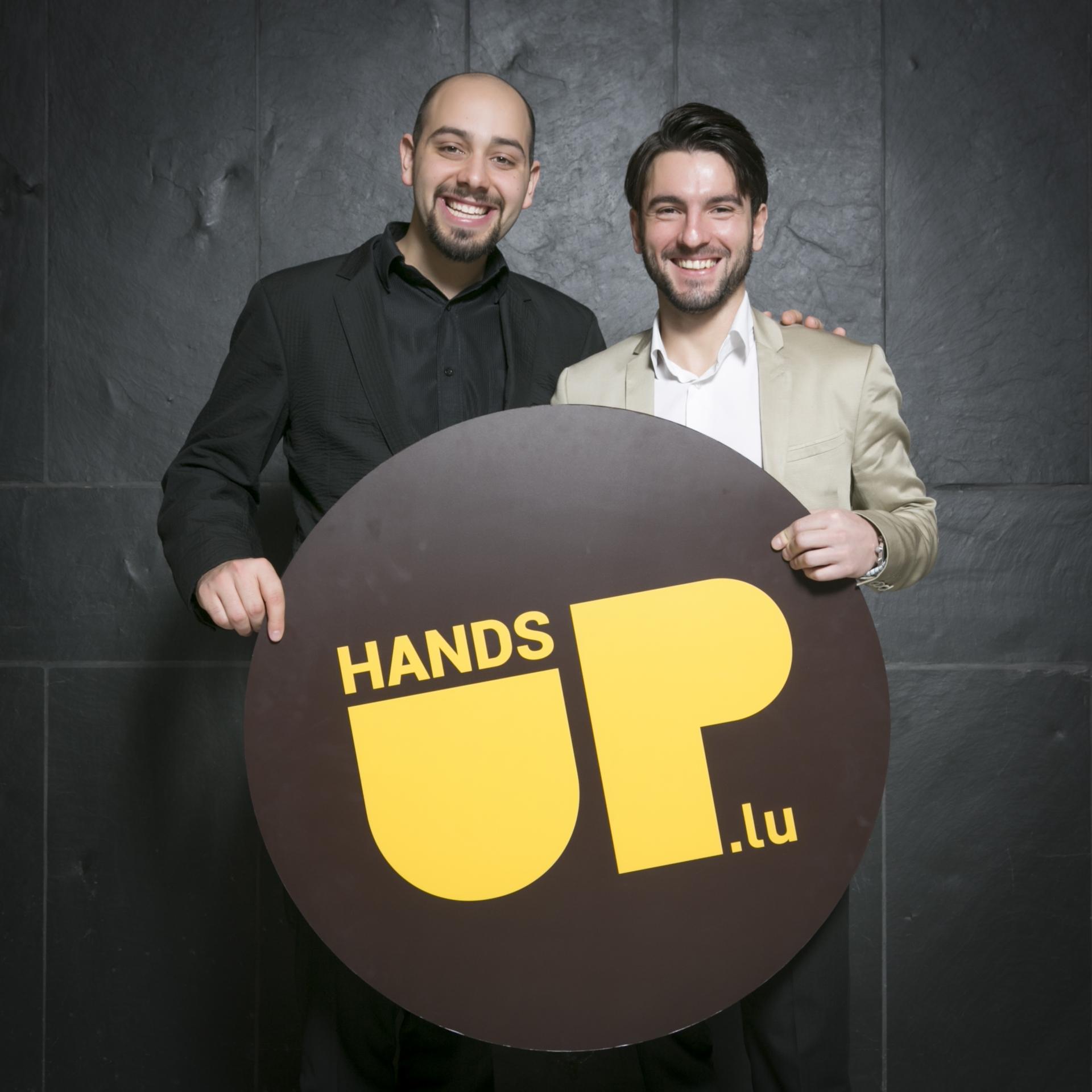 Shooting photo HandsUp lors de la Remise du Brevet de Maîtrise et de la Promotion du Travail dans l'Artisanat 2014